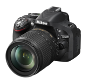 Nikon D5200 (AF-S DX 18-105mm F3.5-5.6 G VR) Lens Kit